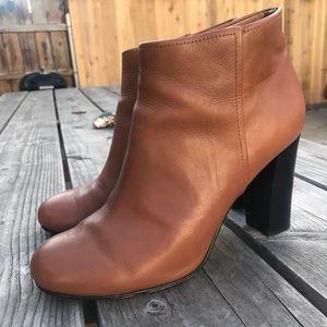BROOKS BROTHERS women's booties in Cognac SZ 9.5